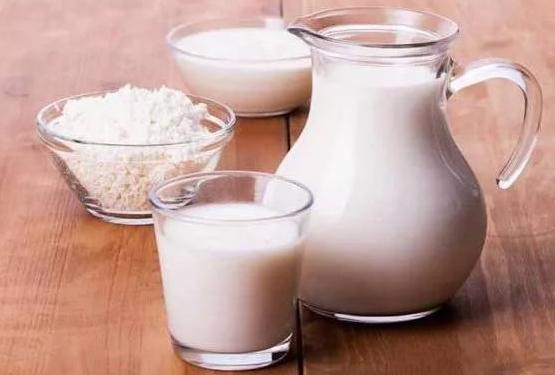 при гастрите молоко