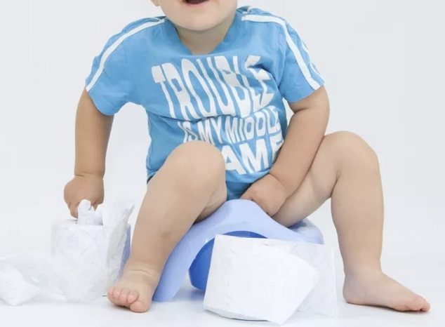 У ребенка перед стулом болит живот