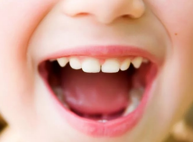 запах железа изо рта у взрослого