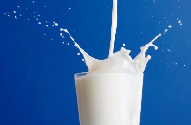 Привкус молока во рту: причины